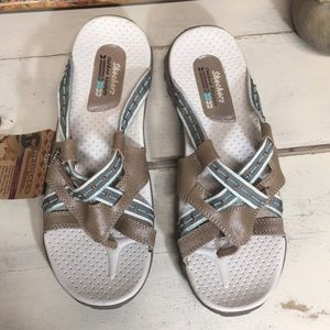 NWT Skechers Reggae Sandals